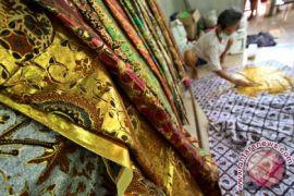 Mahasiswa UGM buat motif batik histologi