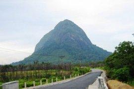 Sintang Prioritaskan Bangun Desa Wisata dan Percantik Bukit Kelam