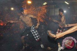 Perang Api Sambut Nyepi