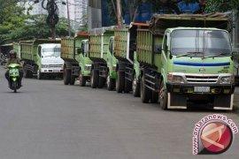 Bekasi minta kontraktor truk tanah bertanggung jawab