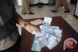 Caleg PKPI Rejanglebong bagikan uang mainan
