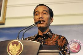 """Jokowi: buat apa """"pelihara"""" menteri tidak kompeten"""