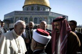 Paus Fransiskus Kunjungi Tempat Suci di Jerusalem