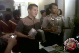 Remaja penjual koran jadi kurir ganja