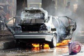 Satu Keluarga Selamat Dari Kebakaran Mobil