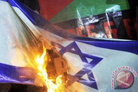 Pengibaran bendera Israel langgar konstitusi