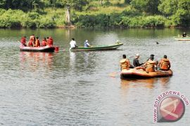 Keluarga libatkan SAR cari korban tenggelam bekasi