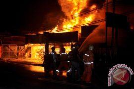 Korban kebakaran di Cakung enggan tempati tenda