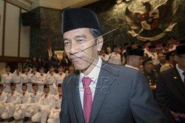 Presiden Sumbang Sapi 1,1 Ton Di Badau