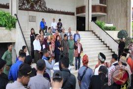 Dewan Didesak Tuntaskan Perda Pengakuan Hukum Adat