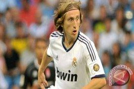Luka Modric perpanjang kontak di Real