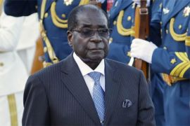 Presiden Mugabe tolak mundur dalam tekanan massa