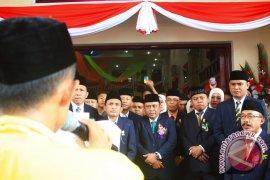 Pelantikan Anggota Dprd Gorontalo Diwarnai Unjuk Rasa