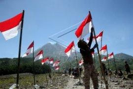 Upacara Bendera HUT RI Di Tengah Laut