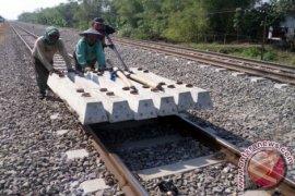 """Proyek """"double-double track"""" Bekasi terganjal pembebasan lahan"""