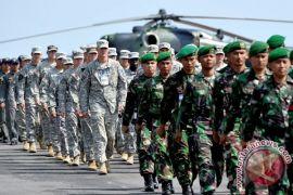 Tentara Amerika Serikat juga mainkan permainan tradisional Indonesia
