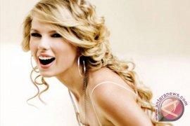 "Taylor Swift Jadi Mentor Tamu ""The Voice"""