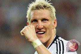 Schweinsteiger mainkan pertandingan terakhirnya bersama Timnas Jerman