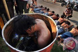 Tiga pemuda tewas dalam pesta minuman keras