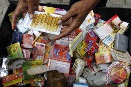 Polisi Bekasi sita ratusan obat ilegal