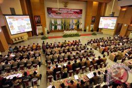 Wapres Jusuf Kalla ingatkan gubernur jalin sinergitas dengan pusat