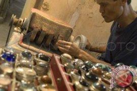 Perajin Batu Muntok Kembangkan Variasi Produk