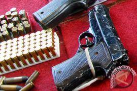Pemuda 20 tahun bawa revolver rakitan ditangkap