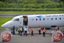 Penumpang Angkutan Udara Naik