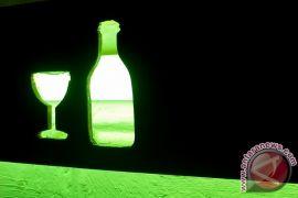 Polisi ungkap industri rumahan pembuat minuman keras