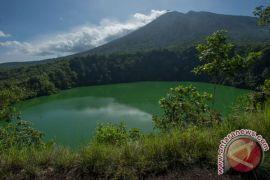 Nono Sampono tentang potensi ekonomi Maluku Utara