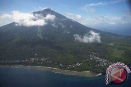 Seorang mahasiswi pendaki Gunung Gamalama hilang