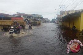 Taruna Siaga Bencana Singkawang Antisipasi Banjir