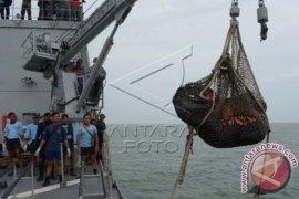 Evakuasi 4 Jenazah Korban AirAsia