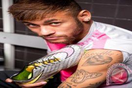 """Neymar akui reaksinya """"lebay"""" di Piala Dunia"""