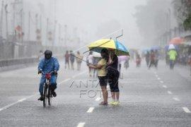 Jakarta Barat,Timur dan Selatan diprediksi hujan pada Minggu malam