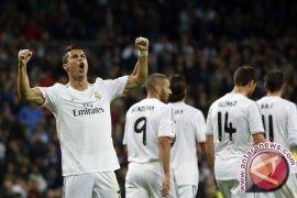 Lima Gol Ronaldo Antar Madrid Ganyang Granada 9-1