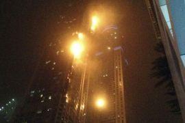 Sebuah gedung di Dubai terbakar, tidak ada korban luka