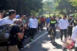 Jokowi Gowes Di Car Free Day Bogor