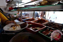 Restoran harus tutup siang hari selama Ramadhan