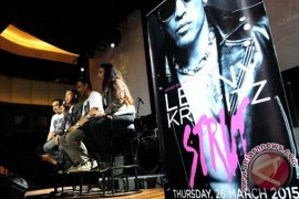 Lenny Kravitz Batalkan Konser di Istora Senayan Jakarta
