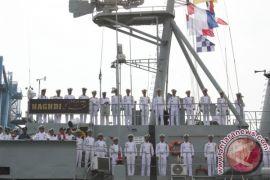 Kapal perang Iran tabrak dinding pelabuhan, dua kru hilang