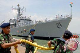 Empat kapal perang India tiba di Jakarta