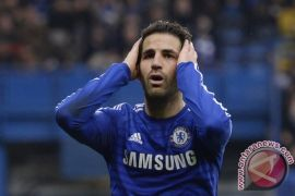 Saat Fabregas memohon Hazard tetap di Chelsea