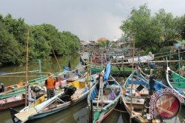 Nelayan Pangkalpinang Harapkan Bantuan Sembako