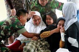 Keluarga TNI Yang Tewas