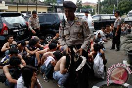Polisi tahan 12 pelajar terlibat tawuran maut di Karawang