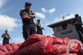 Polda Jambi amankan 3.032 karung bawang merah