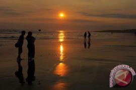 Ribuan warga kunjungi Pantai Parangtritis jelang Ramadhan