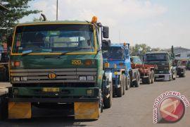 Bio solar habis dalam 30 menit, supir truk protes