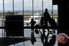 Berat, beban penerbangan akibat pelemahan rupiah